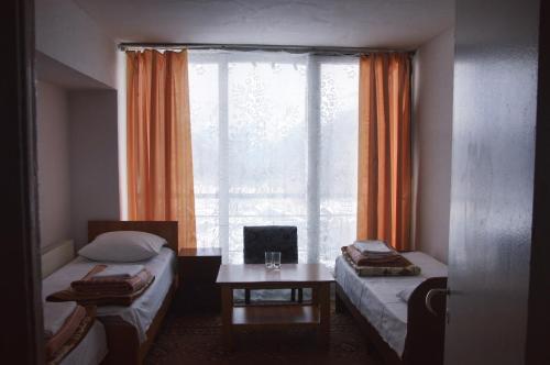 It Call Rooms, El'brusskiy rayon