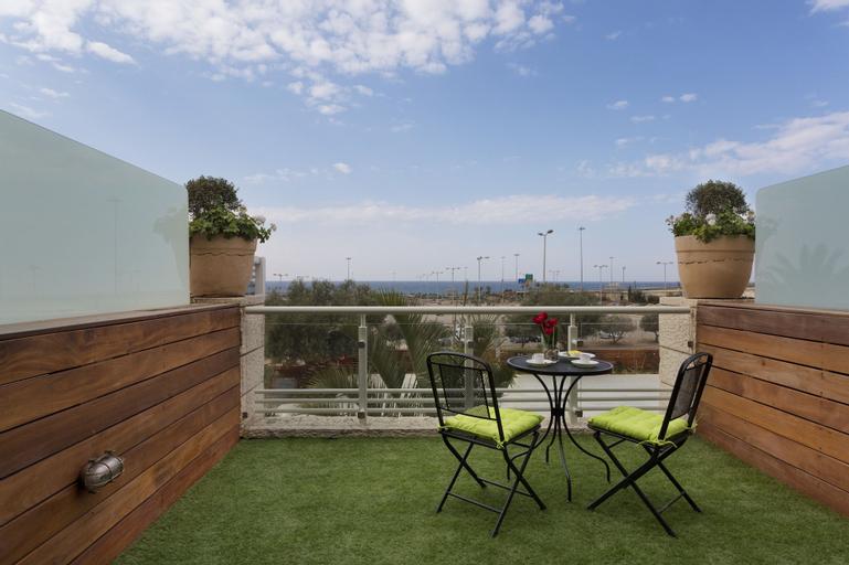 Garden Hotel,
