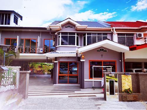 蓝梦居~浪漫700平方花园别墅之旅, Penampang