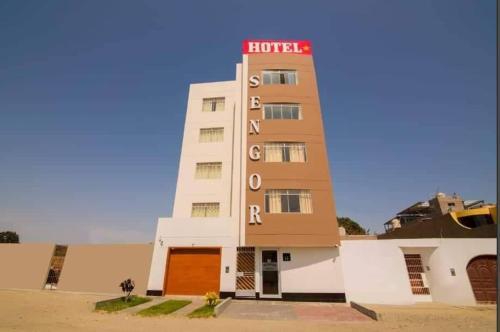 Sengor Hotel, Santa