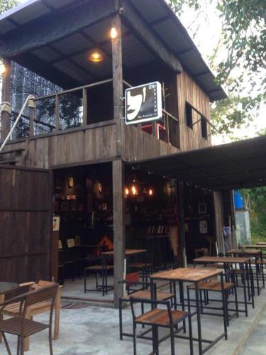 The Shadow House & Bar, Muang Ranong
