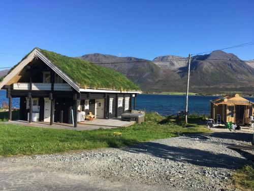 Lyngen ski- og fiskecamp, Lyngen
