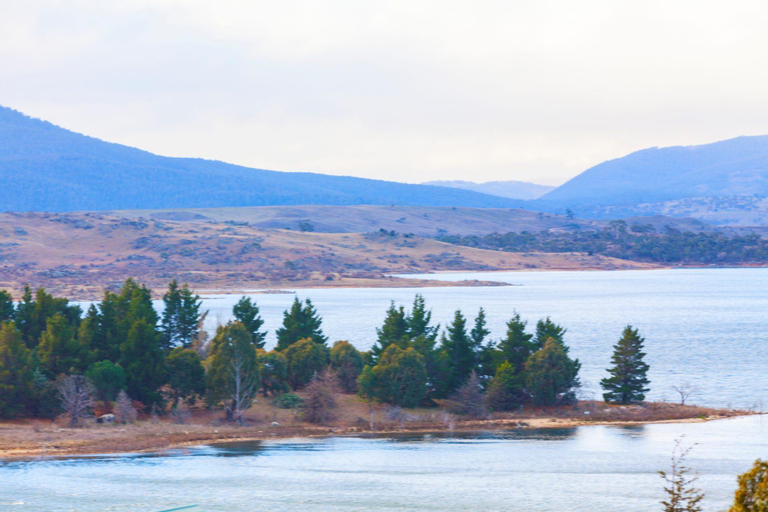 Summit 11 - Fabulous views and location, Snowy River