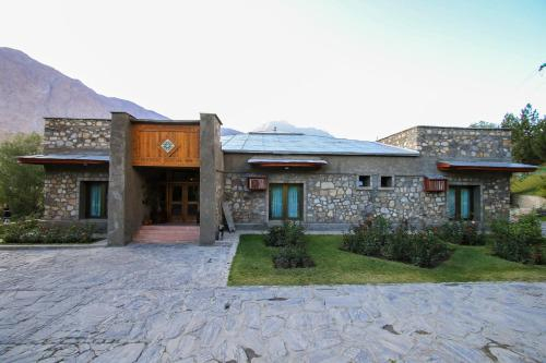 Khorog Serena Inn, Shughnon