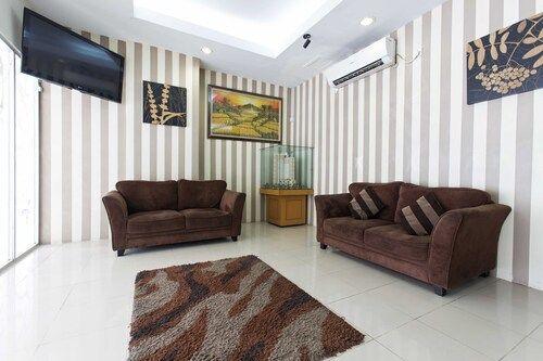 RedDoorz Apartment @ Pegangsaan Kelapa Gading 2, North Jakarta