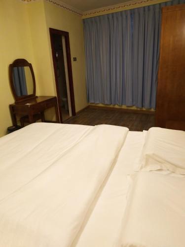 Uncle Ho Motel, Papar