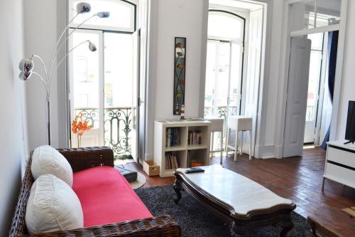 Lisbon Big House, Almada
