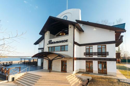Port Vesiegonsk Hotel, Ves'egonskiy rayon
