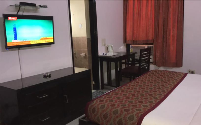Hotel B&B INN, Gautam Buddha Nagar