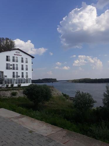 Hotel Sucidava, Corabia