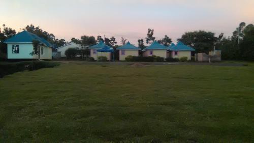 Walome Cottages, Gem