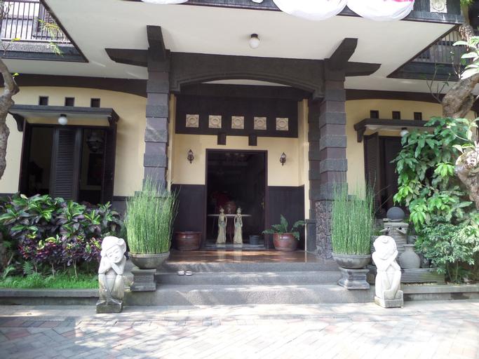 De Clove Guest House, Malang