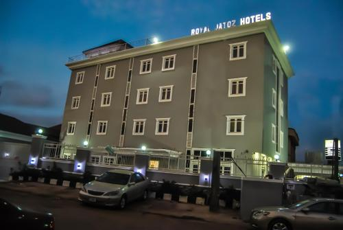 Royal Jatoz Hotel, Mushin