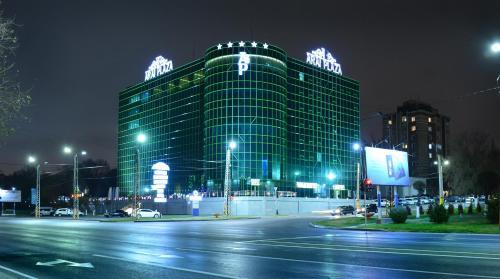 Arai Plaza Hotel, Bayzakskiy