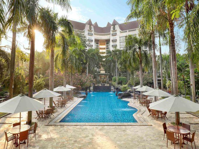 Novotel Surabaya Hotel & Suites, Surabaya
