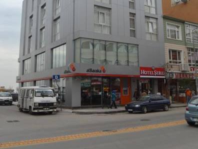 Seref Hotel, Merkez