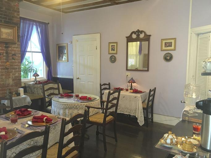 Penny Farthing Inn, Saint Johns