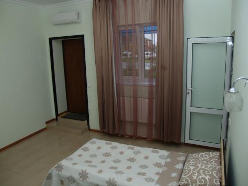Motel Sujet, Bohodukhivs'kyi