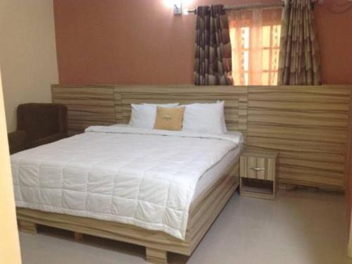 Beck Flo Hotel & Suites Ent, Ndokwa East