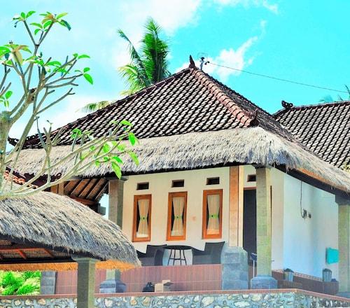 Simpang Inn, Klungkung