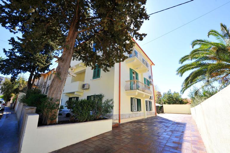 Villa Vice, Split