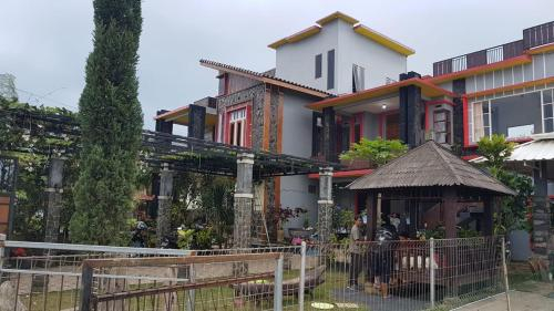 kanah omah backpackers, Malang