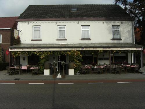 Hotel Grand Cafe Heere van Heel, Heel