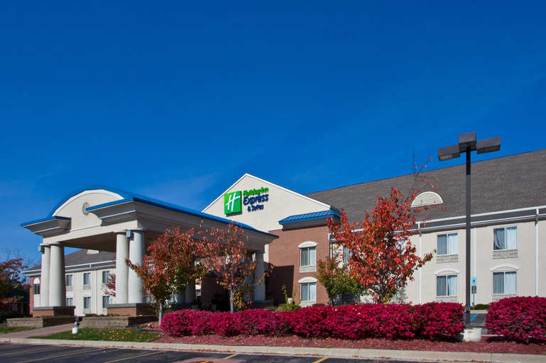 Holiday Inn Express Hotel & Suites Waterford, Oakland