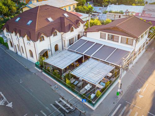 Hotel Eden, Ramnicu Sarat