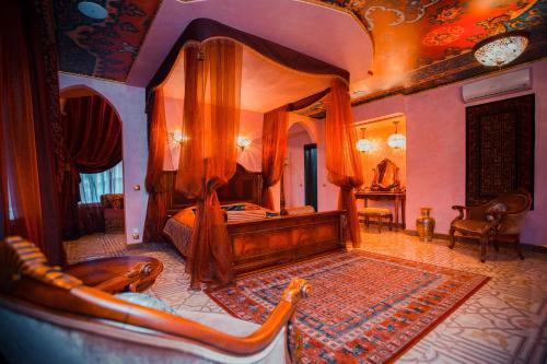 Baccara Hotel, Chelyabinsk gorsovet