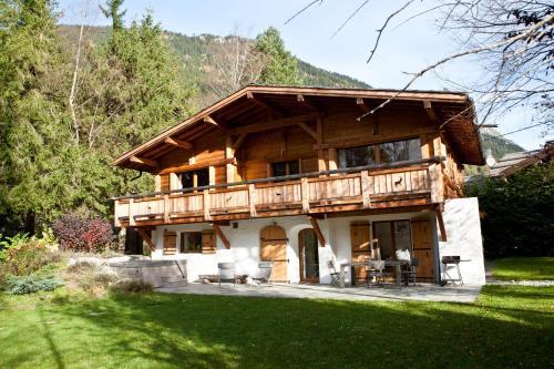 Black Diamond Chalet, Haute-Savoie