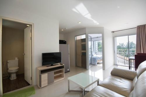 Mosaic Condominium by Malai, Klaeng