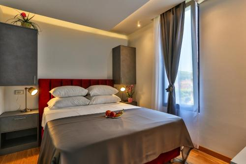 Hotel M,