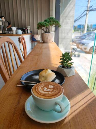 MIXIRISTA cafe x Bed D, Mae Sot