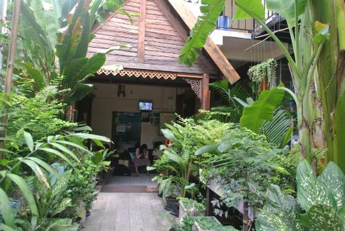 Eco House, Pathum Wan