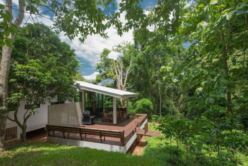 Montira's Cottage, K. Mae On