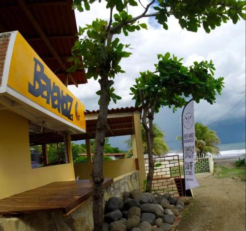 Bananoz Surfhouse, Nagarote