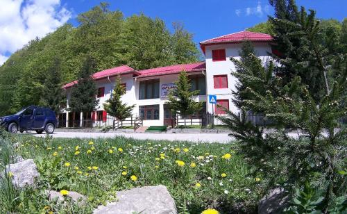 Hotel Galma, Moroeni