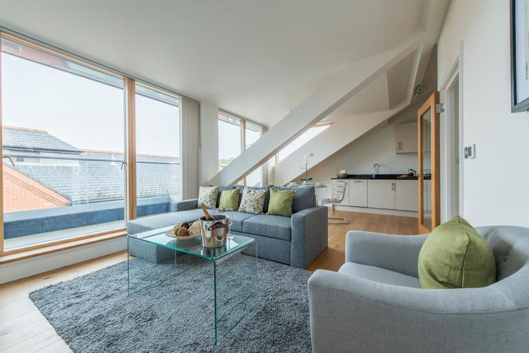Hampden Apartments - The Elizabeth, Slough