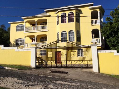 Pura Vida Jamaica,