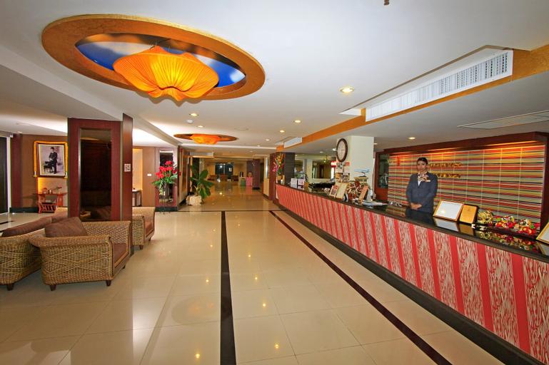 Convenient Grand Hotel, Bang Plee