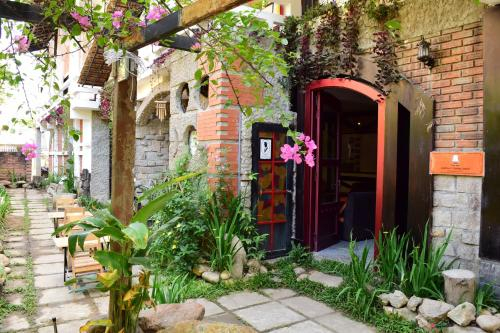 Hnam Chang Ngeh Hospitality training center, guest house, restaurant & bar, Kon Tum