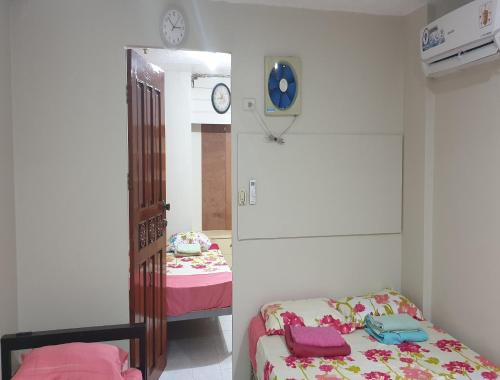 Private Room with Private Entrance, Santa Rosa City