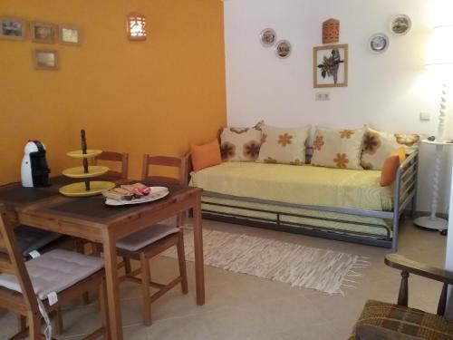 Manta Rota Beach, apartment in a villa, terrace,garden, Vila Real de Santo António