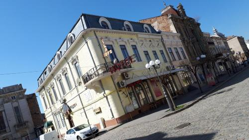 Vila Edy's Royal, Braila
