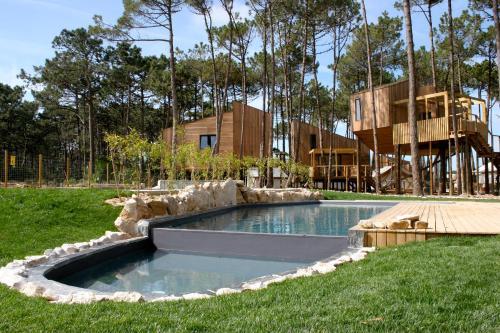 Bukubaki eco surf resort, Peniche