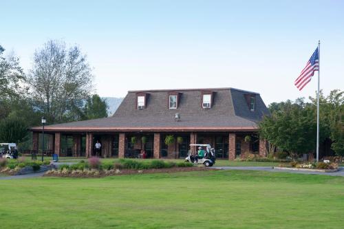 Etowah Valley Golf & Resort, Henderson