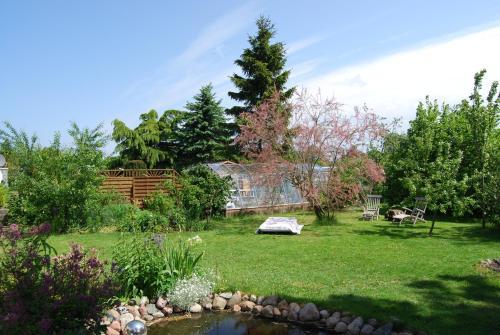 Ferienwohnung mit Gartenbereich (UT), Rostock