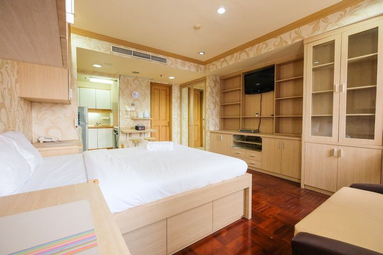Classic Studio Park Royale Apartment Near Sudirman, Central Jakarta