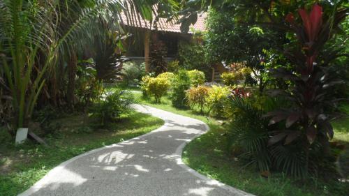 Ferienhaus am Strand von Sibuyan in der Nahe von Cresta de Gallo, San Fernando